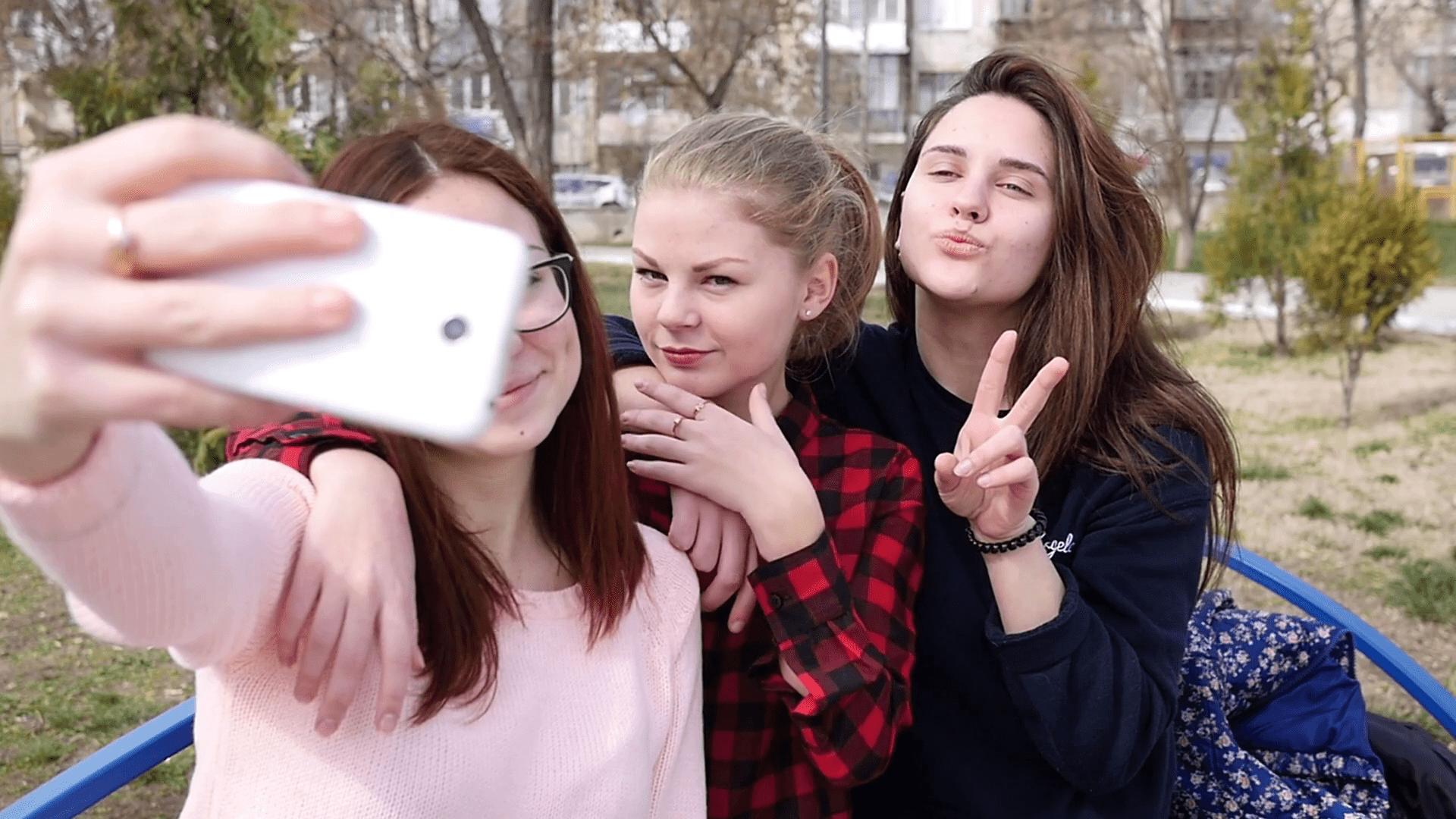 Legendas para fotos com amigas tumblr